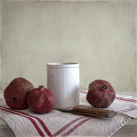 Stilleven Met Granaatappels En Witte  Pot (Still Life With Pomegranate and White Pot)